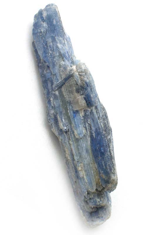 Cianita azul en bruto