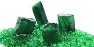 Foto cristales de esmeralda